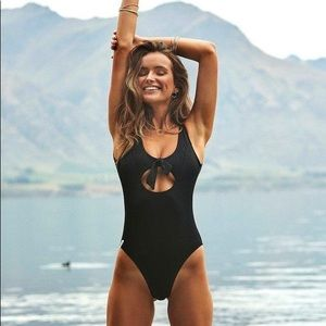 Rhythm Gidget Cut Out One Piece Swimsuit M $84